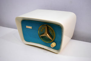 Turquoise and White 1959 Travler Model T-204 AM Tube Radio Cute As A Button!