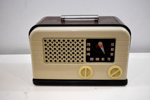 Load image into Gallery viewer, Ivory Bakelite and Wood Post War 1948 Delco Model R-1238 AM Vacuum Tube Radio Works Great!