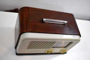 Ivory Bakelite and Wood Post War 1948 Delco Model R-1238 AM Vacuum Tube Radio Works Great!