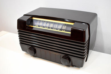 Post War 1947 Radiola Model 61-8 Bakelite AM Tube Radio Works Great Excellent Near Mint Condition!