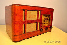 Load image into Gallery viewer, SOLD! - July 14, 2014 - BEAUTIFUL Wood Art Deco Retro 1940 Crosley Fiver 52TH-WC AM Tube Radio Works! - [product_type} - Crosley - Retro Radio Farm