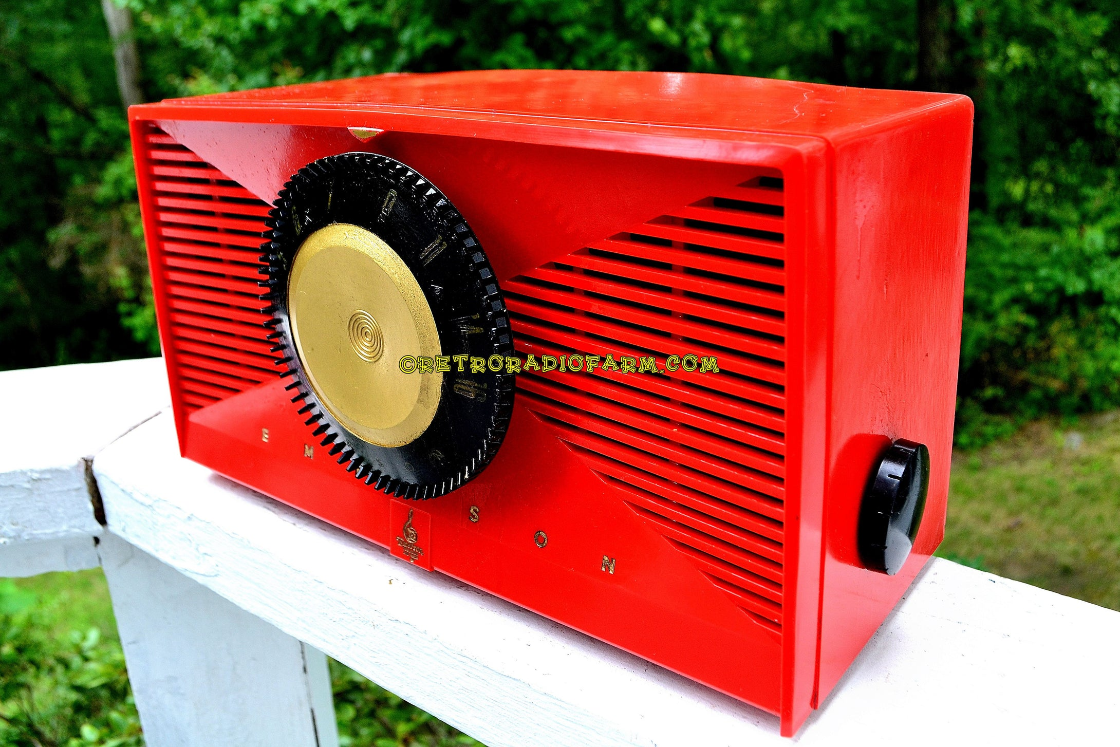 SOLD! - Sept 17, 2017 - MATADOR RED Mid Century Vintage 1955 Emerson Model 812B Tube AM Clock Radio Rare Color Sounds Great! - [product_type} - Emerson - Retro Radio Farm