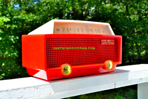 RED RIDING HOOD Mid Century Retro Vintage 1956 Olympic Model 552 Tube AM Radio Totally Sick!