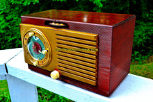 Load image into Gallery viewer, Sold! - Oct 21, 2017 - BLUETOOTH MP3 READY - BURLED TOP Art Deco 1952 General Electric Model 521F AM Brown Bakelite Tube Clock Radio
