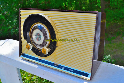 CHOCOLATE BROWN Mid Century Sputnik Era Vintage 1957 General Electric 862 Tube AM Radio Near Mint!