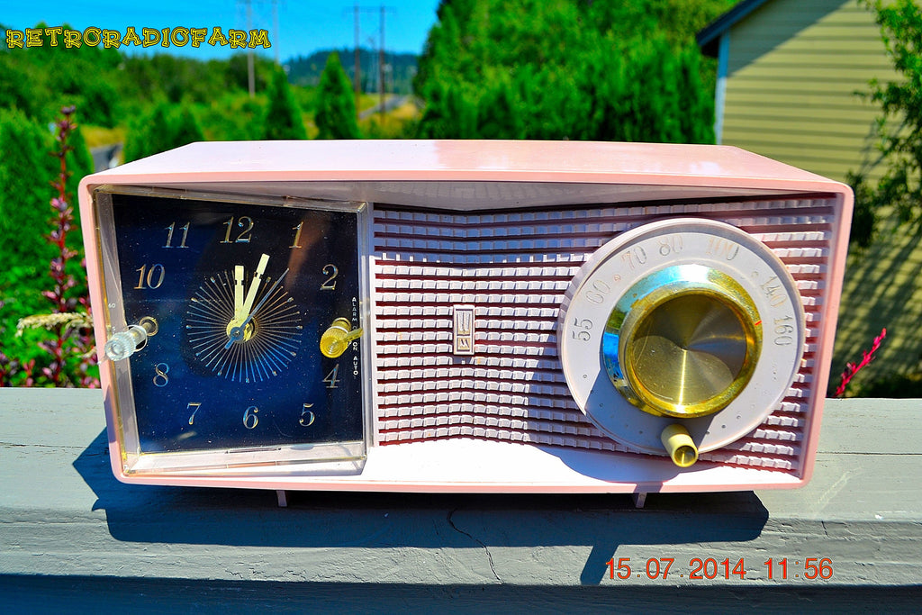 SOLD! - Aug 2, 2014 - MID-CENTURY MARVEL Pink Retro Jetsons Late 50's early 60's Motorola C23P Tube AM Clock Radio WORKS! , Vintage Radio - Motorola, Retro Radio Farm  - 1