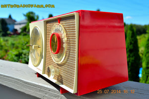 SOLD! - Oct 12, 2014 - CORVETTE RED AND WHITE Retro Jetsons Late 50's early 60's General Electric GE Tube AM Clock Radio WORKS! , Vintage Radio - General Electric, Retro Radio Farm  - 5