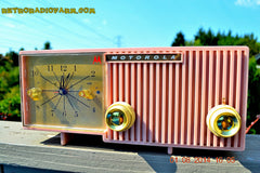 SOLD! - Dec 27, 2014 - PRETTY IN PINK Retro Jetsons 1956 Motorola 57CF Tube AM Clock Radio WORKS! , Vintage Radio - Motorola, Retro Radio Farm  - 4