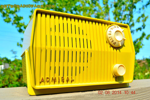SOLD! - Sept 7, 2014 - BUTTER YELLOW Retro Jetsons Vintage 1959 Admiral 4L26A Tube AM Radio WORKS!