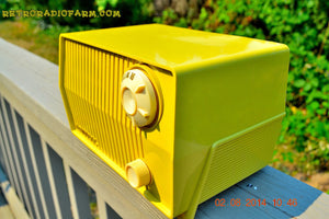 SOLD! - Sept 7, 2014 - BUTTER YELLOW Retro Jetsons Vintage 1959 Admiral 4L26A Tube AM Radio WORKS! , Vintage Radio - Admiral, Retro Radio Farm  - 6
