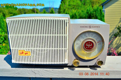 BLUETOOTH MP3 READY - SAHARA TAUPE Retro Vintage 1954 General Electric 477 AM Tube Radio Totally Restored! , Vintage Radio - General Electric, Retro Radio Farm  - 2