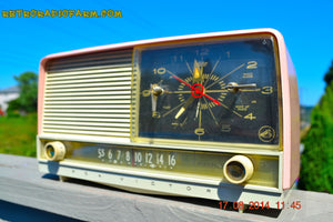 SOLD! - Oct 2, 2014 - POWDER PINK Retro Jetsons 1956 RCA Victor 8-C-7-FE Tube AM Clock Radio WORKS! , Vintage Radio - RCA Victor, Retro Radio Farm  - 5