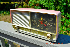 SOLD! - Oct 2, 2014 - POWDER PINK Retro Jetsons 1956 RCA Victor 8-C-7-FE Tube AM Clock Radio WORKS! , Vintage Radio - RCA Victor, Retro Radio Farm  - 4