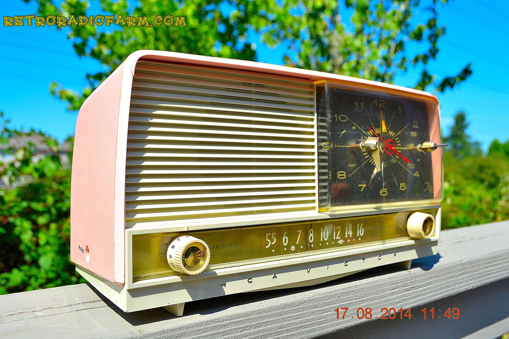 SOLD! - Oct 2, 2014 - POWDER PINK Retro Jetsons 1956 RCA Victor 8-C-7-FE Tube AM Clock Radio WORKS! , Vintage Radio - RCA Victor, Retro Radio Farm  - 1