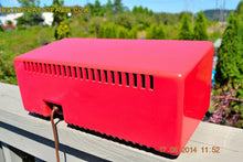 Load image into Gallery viewer, SOLD! - Sept 2, 2014 - CORAL PINK Retro Vintage 1950's Crosley T-60 RD AM Tube Radio WORKS! , Vintage Radio - Crosley, Retro Radio Farm  - 9