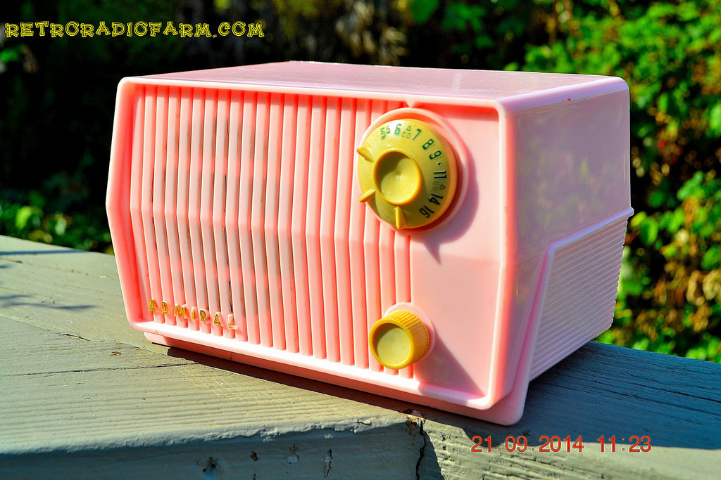 SOLD! - Sept 28, 2014 - BABY GIRL PINK Retro Jetsons Vintage 1959 Admiral 4L2A Tube AM Radio WORKS! , Vintage Radio - Admiral, Retro Radio Farm  - 1