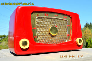SOLD! - Sept 28, 2014 - CARDINAL RED Retro Vintage 1951 Silvertone Model 5 AM Tube Radio WORKS! , Vintage Radio - Silvertone, Retro Radio Farm  - 6