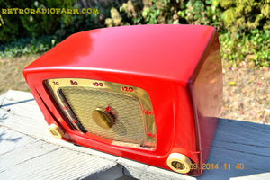 SOLD! - Sept 28, 2014 - CARDINAL RED Retro Vintage 1951 Silvertone Model 5 AM Tube Radio WORKS! , Vintage Radio - Silvertone, Retro Radio Farm  - 3