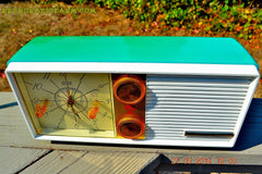 SOLD! - Dec 9, 2014 - SEAFOAM Green Turquoise Retro Jetsons Vintage 1956 Truetone DC-2083 AM Tube Clock Radio WORKS! , Vintage Radio - Truetone, Retro Radio Farm  - 2