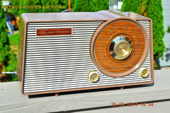 SOLD! - Oct. 22, 2014 - FAUX WOOD GRAIN DIAL! Retro Jetsons Vintage 1963 Motorola T25BN AM Tube Radio WORKS! , Vintage Radio - Motorola, Retro Radio Farm  - 4
