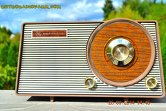 SOLD! - Oct. 22, 2014 - FAUX WOOD GRAIN DIAL! Retro Jetsons Vintage 1963 Motorola T25BN AM Tube Radio WORKS! , Vintage Radio - Motorola, Retro Radio Farm  - 5