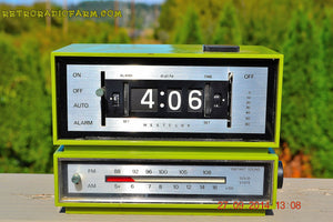 SOLD! - Dec 29, 2014 - GRASSHOPPER GREEN Retro Jetsons Vintage 1960's or 1970's Westclox AM/FM Solid State Clock Radio Alarm WORKS! - [product_type} - Westclox - Retro Radio Farm