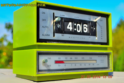 SOLD! - Dec 29, 2014 - GRASSHOPPER GREEN Retro Jetsons Vintage 1960's or 1970's Westclox AM/FM Solid State Clock Radio Alarm WORKS!