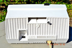 SOLD! - Dec 14, 2014 - TAN and White Retro Jetsons Vintage 1957 RCA 1-X-5KE AM Tube Clock Radio WORKS! , Vintage Radio - RCA Victor, Retro Radio Farm  - 8