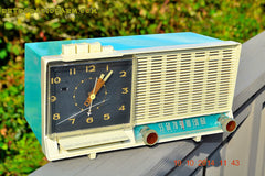 SOLD! - Dec 4, 2014 - AQUA and White Retro Jetsons Vintage 1958 General Electric C-451B AM Tube Clock Radio WORKS! , Vintage Radio - General Electric, Retro Radio Farm  - 9