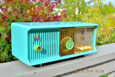 SOLD! - Nov 28, 2014 - VIVID Turquoise Retro Jetsons 1957 Motorola 57CC Tube AM Clock Radio WORKS! , Vintage Radio - Motorola, Retro Radio Farm  - 1