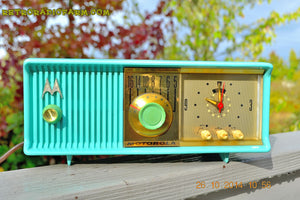 SOLD! - Nov 28, 2014 - VIVID Turquoise Retro Jetsons 1957 Motorola 57CC Tube AM Clock Radio WORKS! , Vintage Radio - Motorola, Retro Radio Farm  - 3