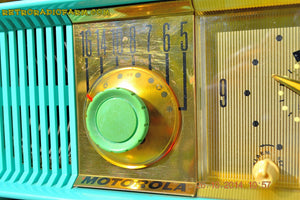 SOLD! - Nov 28, 2014 - VIVID Turquoise Retro Jetsons 1957 Motorola 57CC Tube AM Clock Radio WORKS! , Vintage Radio - Motorola, Retro Radio Farm  - 8