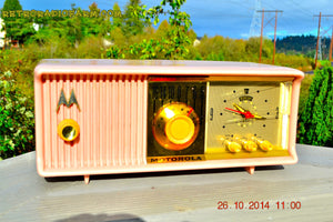 SOLD! - Nov 28, 2014 - PINK PUSSYCAT Retro Jetsons 1957 Motorola 57CC Tube AM Clock Radio WORKS! , Vintage Radio - Motorola, Retro Radio Farm  - 4