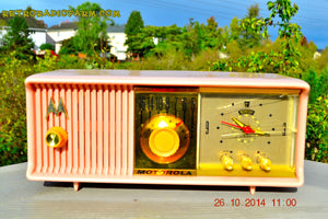 SOLD! - Nov 28, 2014 - PINK PUSSYCAT Retro Jetsons 1957 Motorola 57CC Tube AM Clock Radio WORKS! , Vintage Radio - Motorola, Retro Radio Farm  - 6