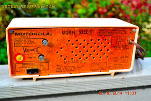 SOLD! - Nov 28, 2014 - PINK PUSSYCAT Retro Jetsons 1957 Motorola 57CC Tube AM Clock Radio WORKS! , Vintage Radio - Motorola, Retro Radio Farm  - 10