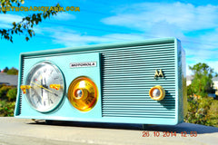 SOLD! - Dec 9, 2014 - BABY BLUE Retro Jetsons 1957 Motorola 5C14CW Tube AM Clock Radio WORKS! , Vintage Radio - Motorola, Retro Radio Farm  - 6