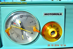 SOLD! - Dec 9, 2014 - BABY BLUE Retro Jetsons 1957 Motorola 5C14CW Tube AM Clock Radio WORKS! , Vintage Radio - Motorola, Retro Radio Farm  - 10