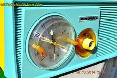 SOLD! - Dec 9, 2014 - BABY BLUE Retro Jetsons 1957 Motorola 5C14CW Tube AM Clock Radio WORKS! , Vintage Radio - Motorola, Retro Radio Farm  - 9