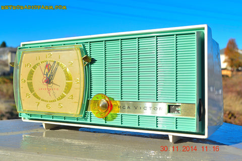 SOLD! - Dec 6, 2014 - TURQUOISE Retro Jetsons Vintage 1957 RCA Victor Model C-3HE AM Tube Radio WORKS!