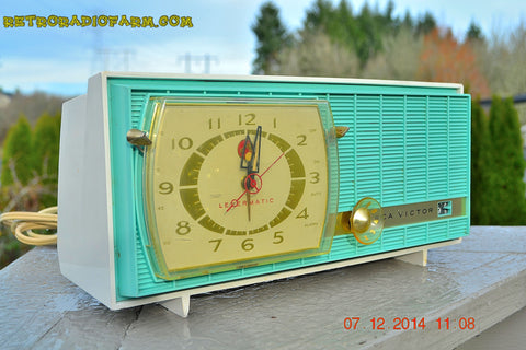 SOLD! - Dec 13, 2014 - TURQUOISE Retro Jetsons Vintage 1957 RCA Victor Model C-3HE AM Tube Radio WORKS!