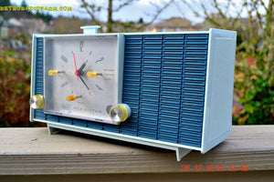 SOLD! - March 24, 2015 - POWDER BLUE TUXEDO Retro Jetsons Vintage 1961 RCA Model RHD21A Tube Clock Radio Totally Restored! , Vintage Radio - RCA Victor, Retro Radio Farm  - 5