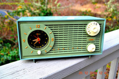 SOLD! - Dec 30, 2014 - PEA GREEN FANTASY Vintage 1955 Admiral 4E3A AM Tube Clock Radio Works! , Vintage Radio - Admiral, Retro Radio Farm  - 2