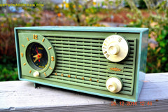 SOLD! - Dec 30, 2014 - PEA GREEN FANTASY Vintage 1955 Admiral 4E3A AM Tube Clock Radio Works! , Vintage Radio - Admiral, Retro Radio Farm  - 3