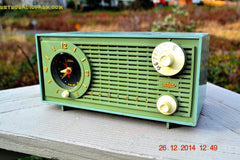 SOLD! - Dec 30, 2014 - PEA GREEN FANTASY Vintage 1955 Admiral 4E3A AM Tube Clock Radio Works! , Vintage Radio - Admiral, Retro Radio Farm  - 7