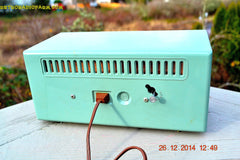 SOLD! - Dec 30, 2014 - PEA GREEN FANTASY Vintage 1955 Admiral 4E3A AM Tube Clock Radio Works! , Vintage Radio - Admiral, Retro Radio Farm  - 10