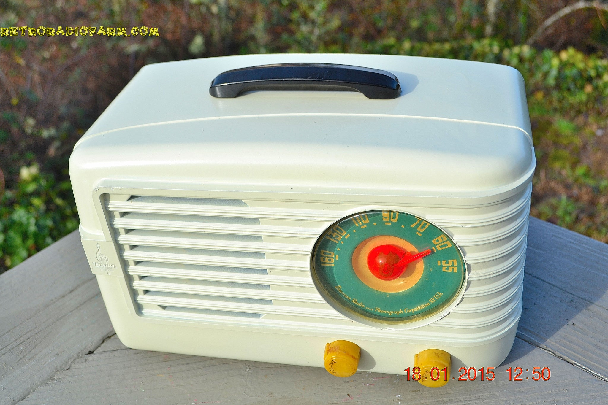 SOLD! - March 29, 2015 - BEAUTIFUL ART DECO Ivory Retro Vintage 1950 Emerson 642 Bakelite AM Tube Radio Totally Restored! , Vintage Radio - Emerson, Retro Radio Farm  - 1