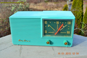 SOLD! - March 22, 2015 - MID CENTURY MARVEL Retro Jetsons Vintage Turquoise 1959 Airline DSE1625A AM Tube Radio Totally Restored! , Vintage Radio - Airline, Retro Radio Farm  - 5
