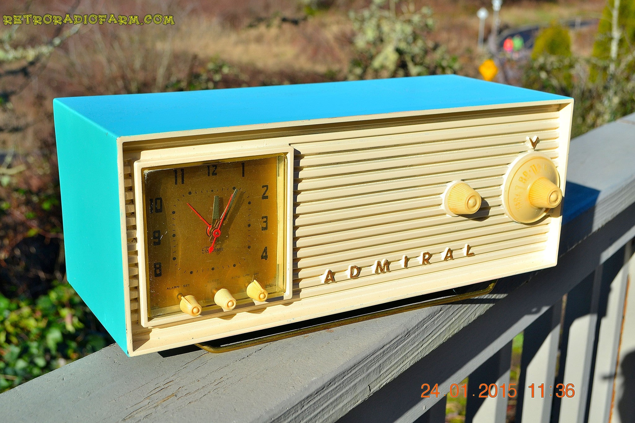 SEAFOAM GREEN AND WHITE Retro Jetsons 1956 Admiral Model 5B43 Tube AM Clock Radio Totally Restored! , Vintage Radio - Admiral, Retro Radio Farm  - 1