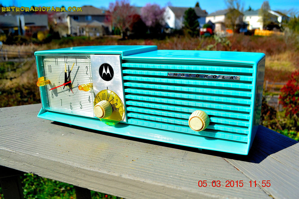 SOLD! - Aug 19 - 2015 - WOWIE! - Aqua Blue Green Retro Jetsons 1956 Motorola 57CD Tube AM Clock Radio NOS New Old Stock Cabinet Totally Restored! , Vintage Radio - Motorola, Retro Radio Farm  - 1