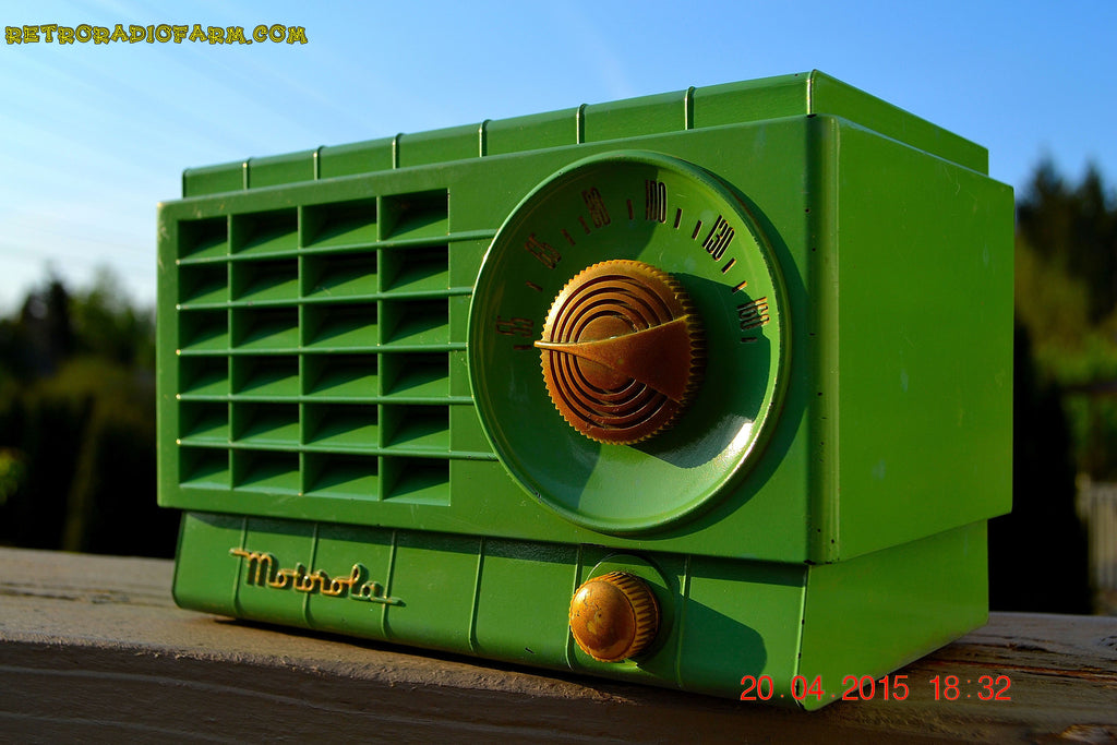 SOLD! - Mar 3, 2016 - LIME GREEN 1948 Retro Vintage Art Deco Motorola Model 58R15 Bakelite AM Tube AM Radio Totally Restored! , Vintage Radio - Motorola, Retro Radio Farm  - 1